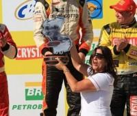 Régis Boessio recebe premiação por vitória em Caruaru 2013