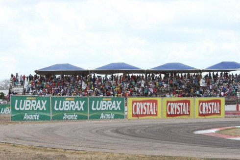 Público na Fórmula Truck