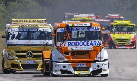 Régis Boessio lidera prova na Copa Truck